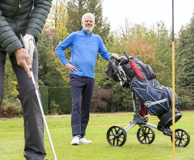 Met een beetje hulp kun jij ook op de golfbaan staan.